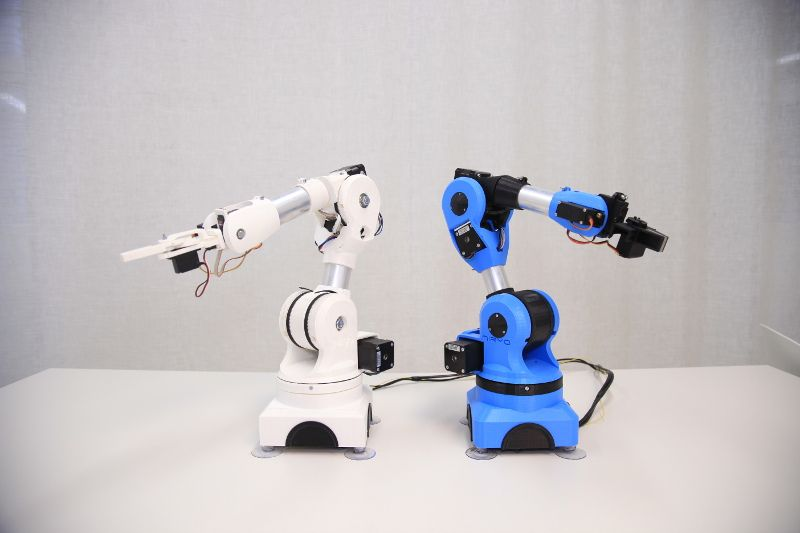niryo one robot accessible pour les makers base sur l'open source